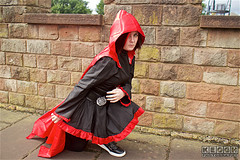 IMG_4853.jpg (Neil Keogh Photography) Tags: rwby silver dress trainers manga pants videogame cloak corset hood anime shoes female trousers blade scythe top read black nwcosplaysummermeet2016 cosplayer cosplay ruby weapon
