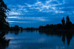 London Blue Hour (DrScottA) Tags: bluehour sunset thames riverthames river london longexposure water tranquil