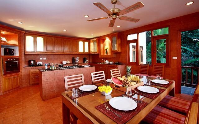 Patong Villa Elegance