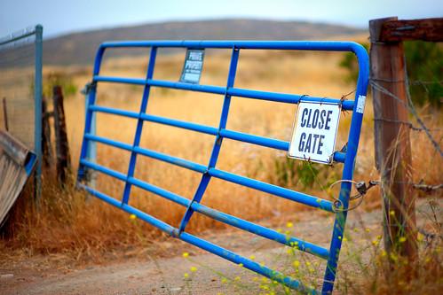Close Gate