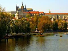 Prague - Fall splendour on Hradany (jackfre2 (on a trip-voyage-reis-reise)) Tags: autumn trees houses fall buildings fun boats island republic czech prague cathedral spires roofs autumncolours palaces hradcany moldau malastrana vlatva mywinners abigfave mygearandmepremium