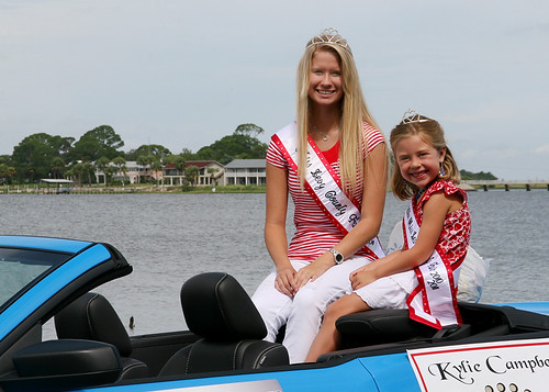 Miss and Little Miss Levy County Await the Start of the Clamerica Parade
