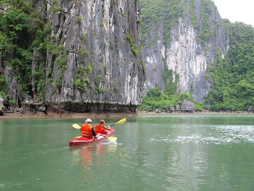 划獨木舟的旅客