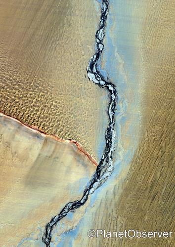 Taklamakan desert, Xinjiang, China - Satellite image - PlanetObserver