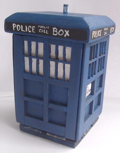 Dr. Who: The Colouring Book: Amazon.ca: BBC, Gray, James Newman ... | 500x392