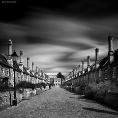 Vicars Close (Gary Newman) Tags: uk longexposure england bw square wells somerset vicarsclose d700 bigstopper
