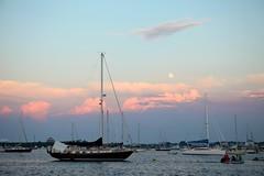 (zandern) Tags: sunset moon boats ef2470mmf28lusm pinkclouds
