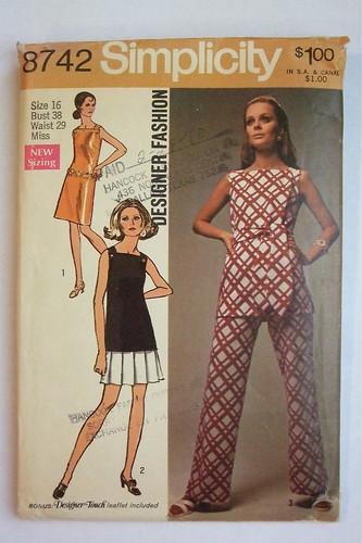 1970 - Simplicity 8742
