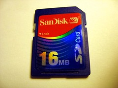 Sandisk SD card 16MB front