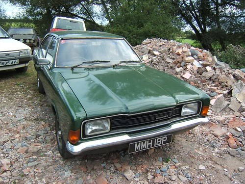 JULY 1976 FORD CORTINA 1993cc XL MK3 SALOON MMH18P