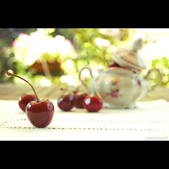 life is just a bowl of cherries (biggreeneyes) Tags: cherries nikon bokeh bowl sugar cerejas f63 ciliegie cerises 38mm zuccheriera d40 sucrier bokehhearts