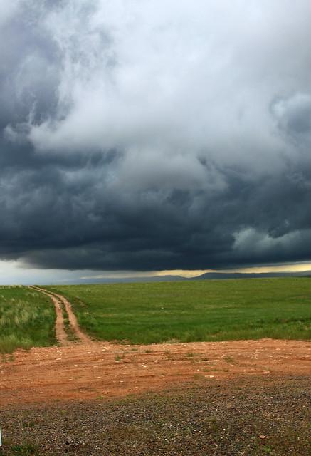 Storm's a-comin'!