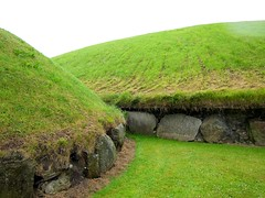 The Megalithic Passage Tombs of Knowth ([rand]) Tags: ireland megalithic canon boyne neolithic s90 knowth passagetombs canons90 60225mm boynevally