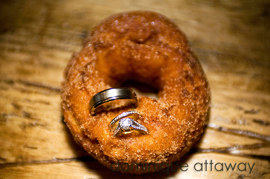 wedding bands in doughnut