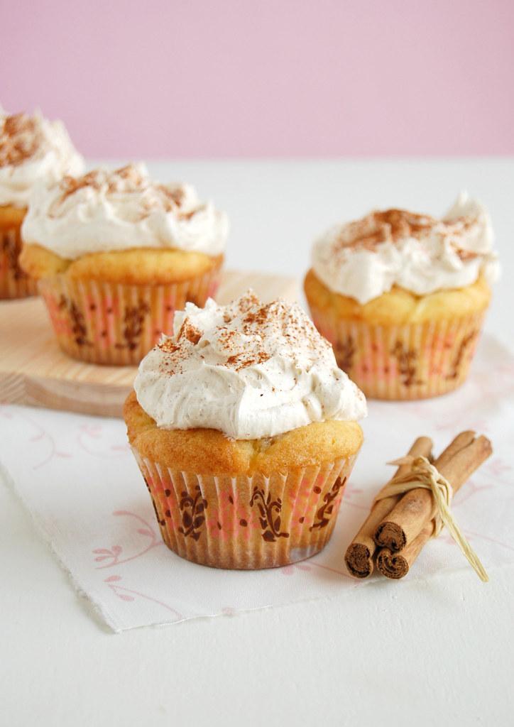 Apple pie cupcakes / Cupcakes de torta de maçã