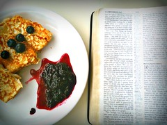 Pancakes, blueberries, 1 Corinthians 9