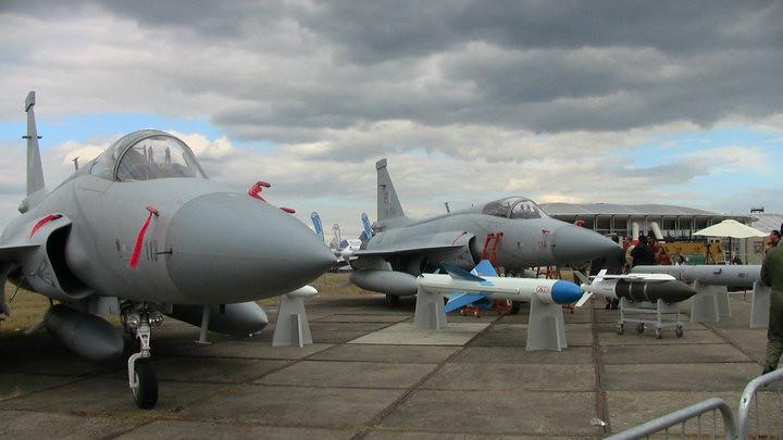 تأكيد صفقة الجي اف-17 المصرية ونفي الميج-29 4826622681_10d8057d39_b