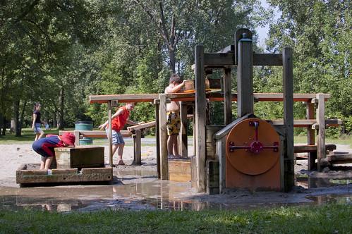 Andrew Haydon Park splash play, Ottawa