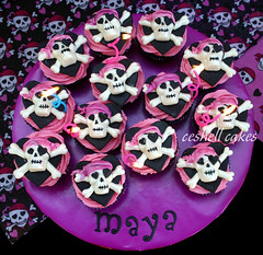 Girly Pirate Cupcakes (ceshell2) Tags: pink girl skull cupcakes pirate crossbones