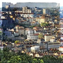 Lyon #11 (S amo) Tags: france texture square town lyon maisons aerialview ville carré vueduciel ghostbones vueaerienne housesbuildings skeletalmess