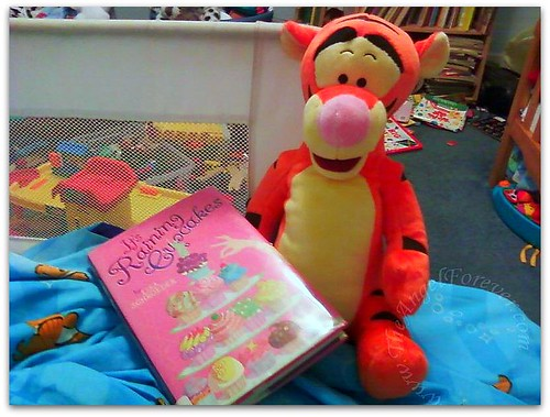 Time to read with Tigger
