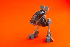 Mini Mecha Racer (Ironsniper) Tags: race robot zoom fast running mecha racer fad legohaulic