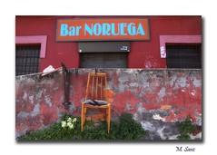 Una terraza inesperada (megacampiona) Tags: bar bilbao silla noruega olabeaga megacampiona