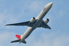 JAL Japan Airlines - Boeing 777-300ER - JA739J - John F. Kennedy International Airport (JFK) - August 10, 2010 049 RT CRP (TVL1970) Tags: airplane geotagged nikon aircraft aviation jfk boeing airlines ge 777 jal airliners jfkairport generalelectric japanairlines boeing777 kennedyairport b777 boeing777300 gp1 d90 777300 tripleseven johnfkennedyinternationalairport japanair ge90 777300er b773 boeing777300er jfkinternational kjfk nikond90 nikkor70300mmvr 70300mmvr 777346er ge90115b jaljapanairlines 777346 ge90115 ja739j boeingtripleseven nikongp1