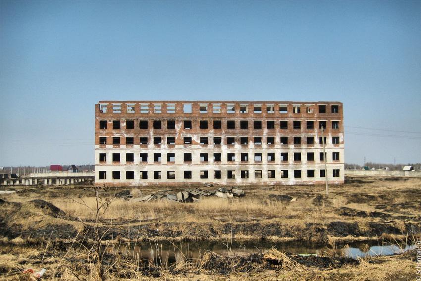 Военное заброшенное здание на Шаман.ру