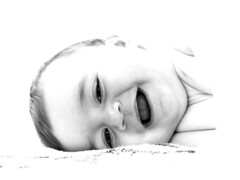 (_Zahira_) Tags: family portrait bw baby white blanco familia lafotodelasemana retrato olympus bn bebé nd highkey niño e500 uro clavealta 35mmmacro ltytrx5 ltytr2 ltytr1 ltytr3 ltytr4 ltytr5