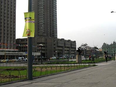 LaGranSemanaDeLima2006 - banderolas