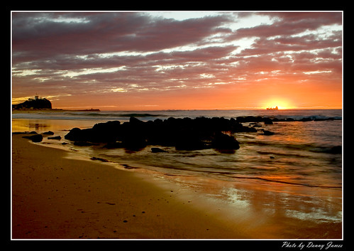 Sunrise - Nobbys Beach - 15-08-2010 - 049- Framed