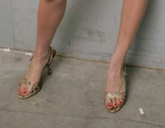 Kaley Cuoco feet (10) (I Love Feet & Shoes) Tags: sexy celebrity feet stockings pie shoes highheels sandals tights lingerie heels ps huf hoof bas pieds mules schuhe casco piedi meias medias scarpe sandalias chaussures sapatos sandlias zapatillas kaley sandalen  cuoco   sandales  kaleycuoco sandali   strmpfe    calcanhares  sse     kaley cuoco
