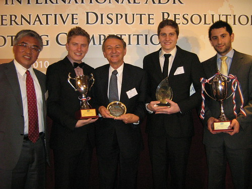 Murdoch students win international law competition.