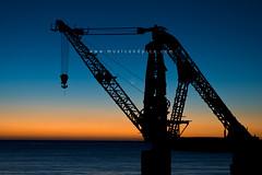 Valparaíso (f.arias) Tags: chile sunset atardecer crane derrick valparaíso ocaso dique viñadelmar grúa dársena sauzalito lunanueva platinumphoto theunforgettablepictures dragondaggerphoto