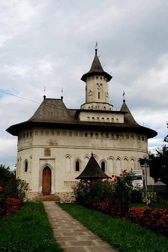 biserica Domnitelor din fosta Curte Domneasca a cetatii de scaun a Sucevei