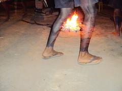kariri-xocs (jmarconi) Tags: brazil fire memorial dancing indian dia brazilian 1904 pintura indigenous quente corporal fogueira calor gois grafismo indgena cariri ndio danando centrooeste 19deabril serradamesa uruau diadondio memorialserradamesa karirixocs iiencontrodeculturas