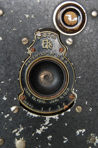 Vest Pocket Kodak Autographic shutter closed