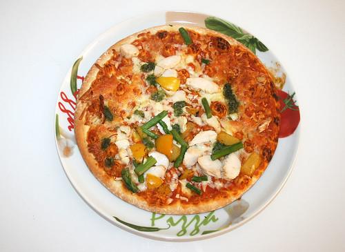 06 - Pizza Hähnchen-Spargel fertig