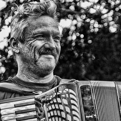 Accordian player (Nick J Stone) Tags: norwich accordianplayer