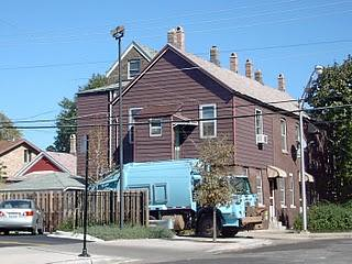 A City of Chicago Department of Streets and Sanitation crew collecting garbage in Chicago's Bridgeport neighborhood. September 2007. by Eddie from Chicago