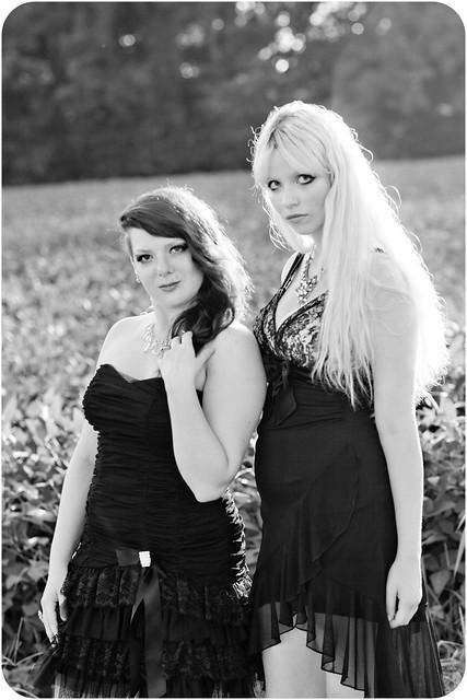 MissLoLo & Caitlin Stargaze