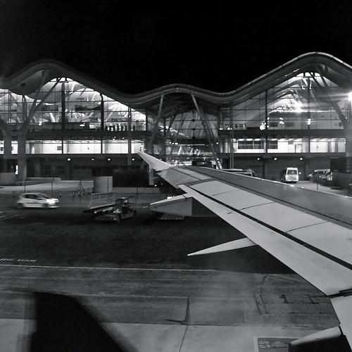aeropuerto - los mensajes de los aviones by eMecHe