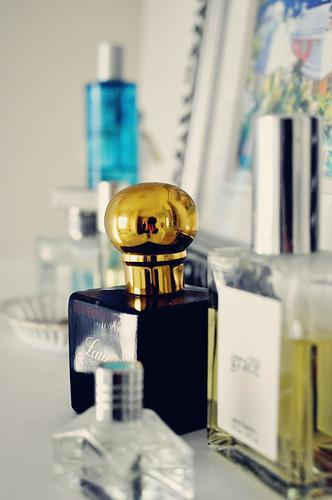 perfume-019 posh
