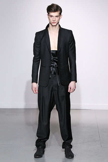 Theo Hall3114_FW11_Paris_Gustavo Lins (Simply Male Models)