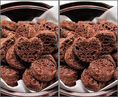 IMG_2014   (parallel 3D) (yoshing_BT) Tags: stereophoto stereophotography 3d chocolate stereo stereoview stereograph parallel cioccolato   suklaa  parallelview  parallel3d