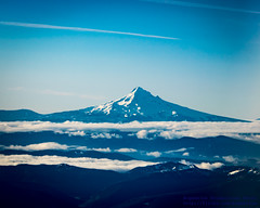 MOUNT HOOD OVER THE CLOUDS (AvgeekJoe) Tags: iflyalaska aerialphotograph alaskaair alaskaairlines d5300 dslr nikon nikond5300 skywestairlines aerial aerialphoto aerialphotography