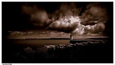 Le  Repère.... (crozgat29) Tags: jmfaure crozgat29 canon sigma sea seascape sky ciel mer monochrome nature paysage