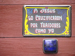 A Jesús lo cruzificaron