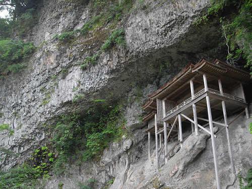 断崖絶壁に建つ国宝建築物『三佛寺投入堂』@鳥取県